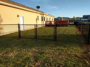 2017-chain-link-fence-003